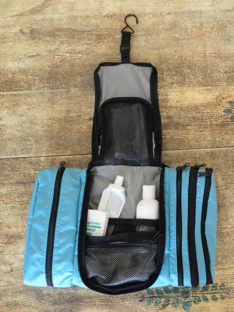 ebags_toiletry_kit_open