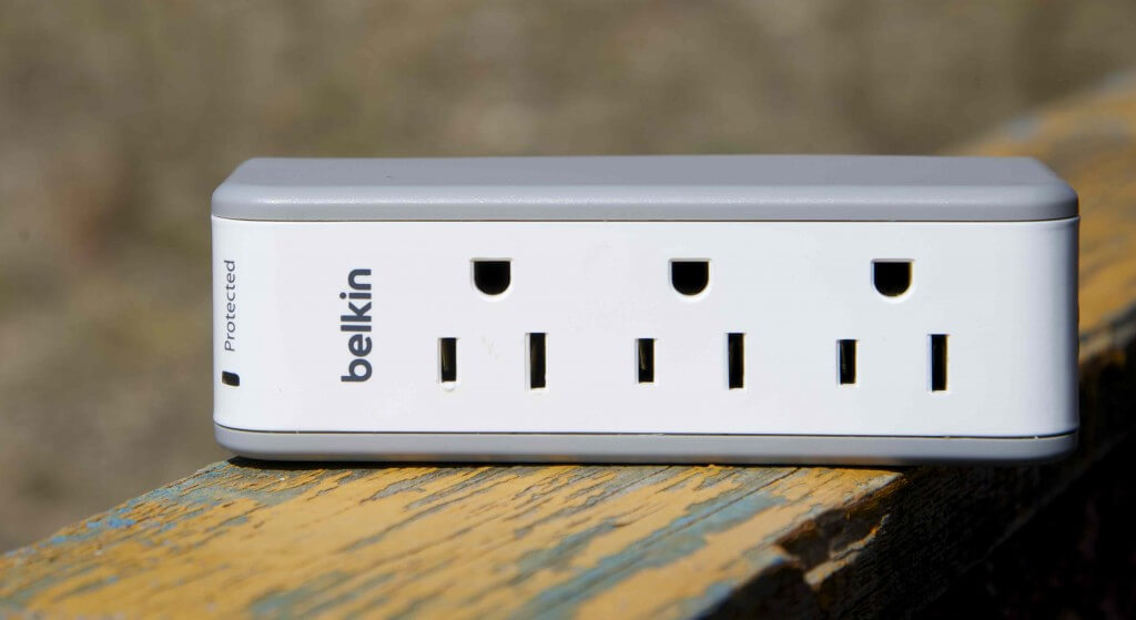 belkin 3-Outlet Mini Travel Swivel Charger Surge Protector review