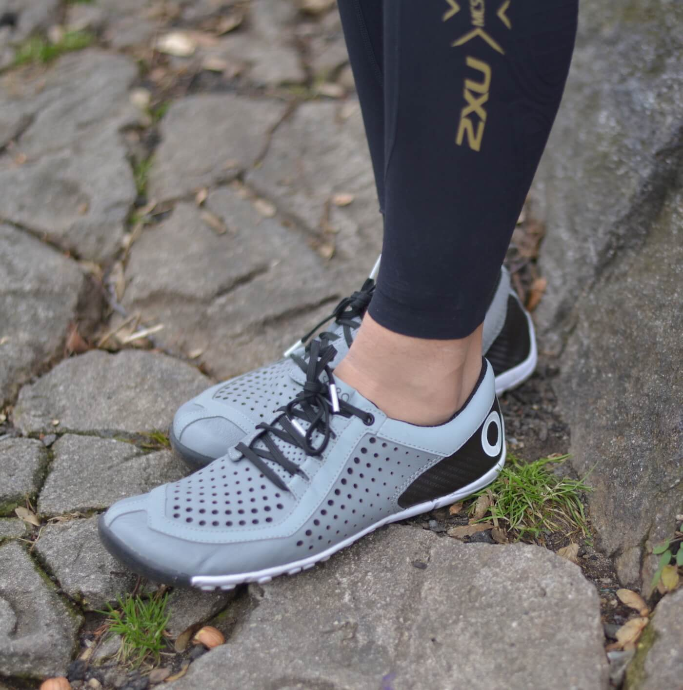 Wearing the Skora Core shoes with 2XU Thermal Compression Tights.