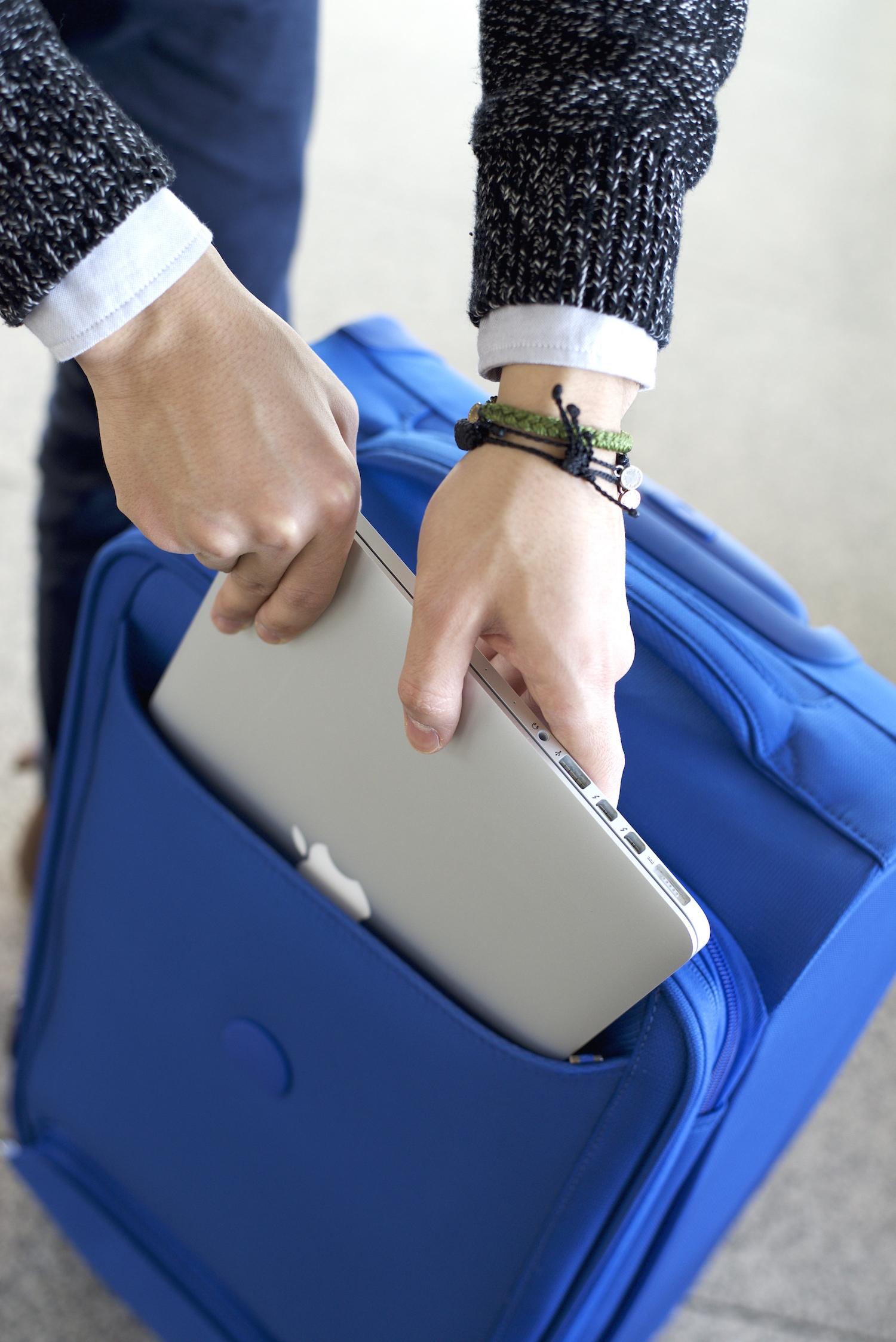 Delsey Chatillon laptop compartment