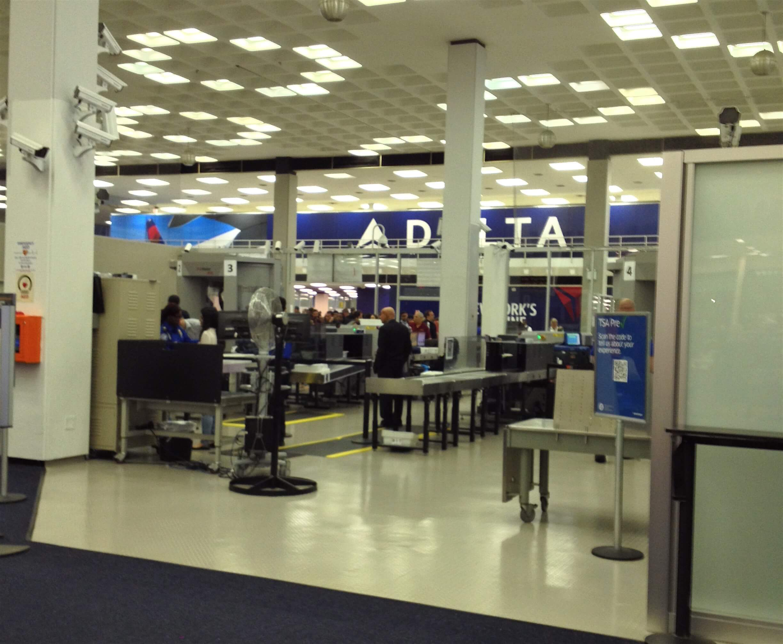 TSA checkpoint in JFK Airport