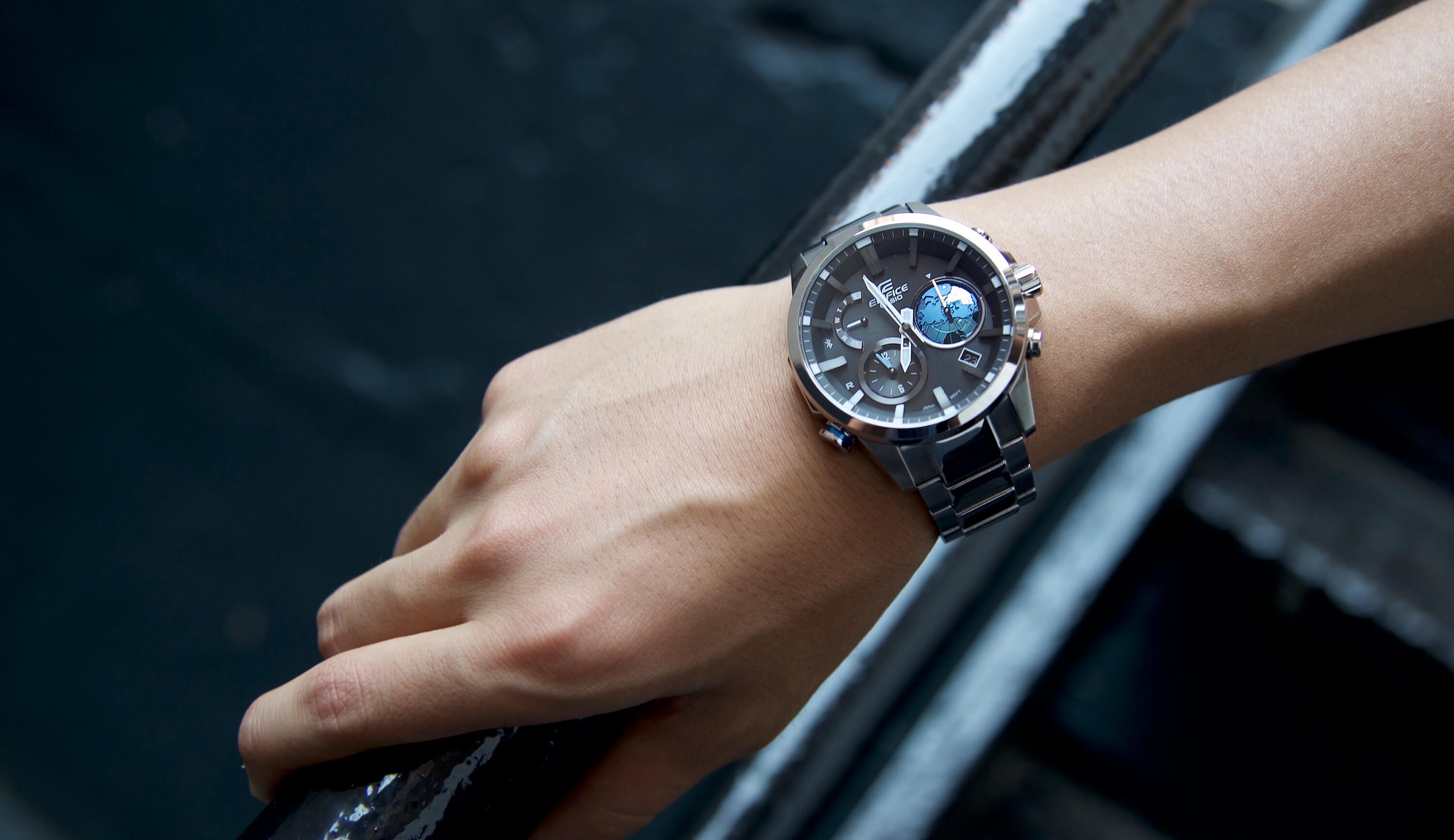 Casio Edifice  The ideal watch for business travelers   Review ... 21f0fc8b58f
