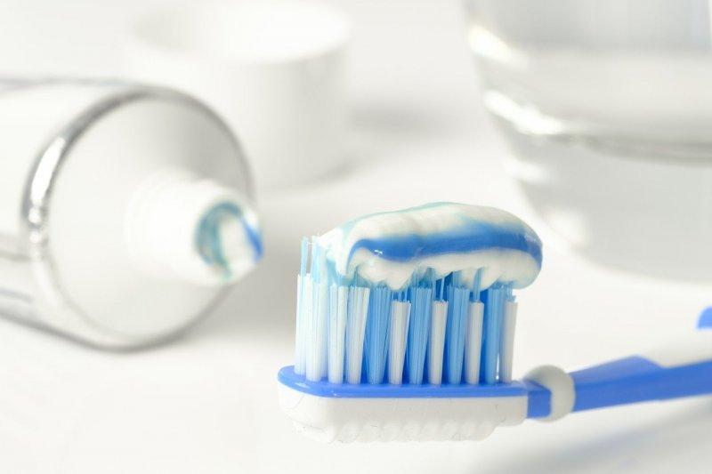 travel size toothpaste
